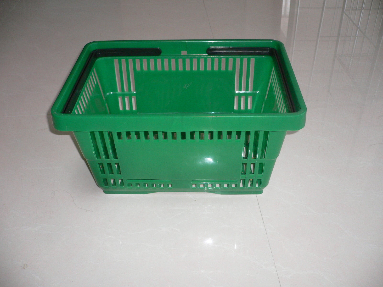Flexible Green Plastic Shopping Basket With Capacity 13KGS 420x290x220mm